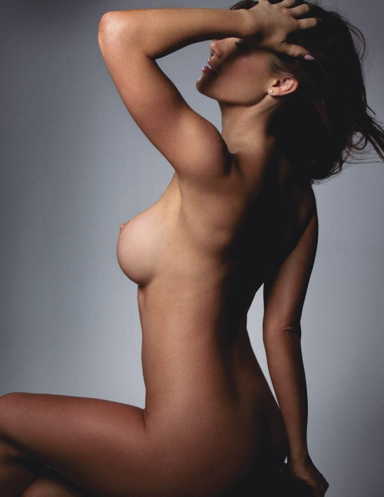 polyurethane breast implants - model image 01 - Kirsten